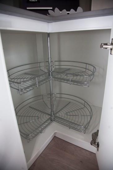 Sistema de almacenaje para esquinas